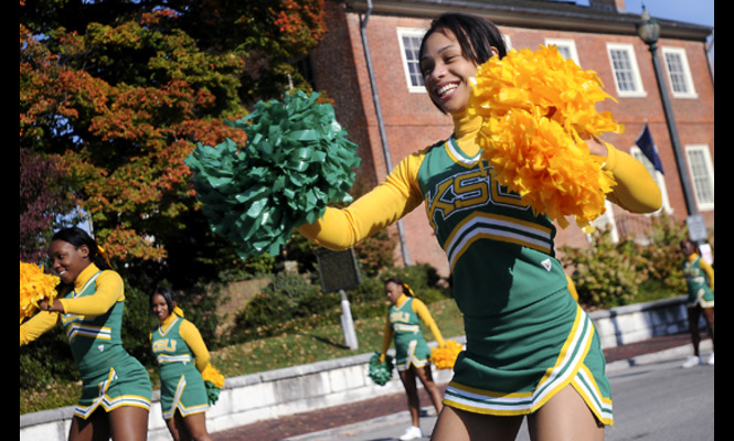Kentucky State cheerleaders at homecoming
