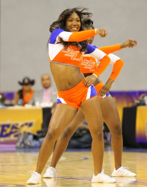 Savannah State Tigers cheerleaders