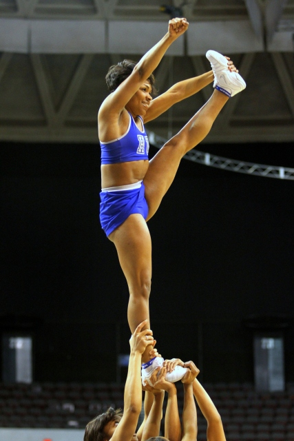 Hampton University Blue Thunder cheerleaders at t...
