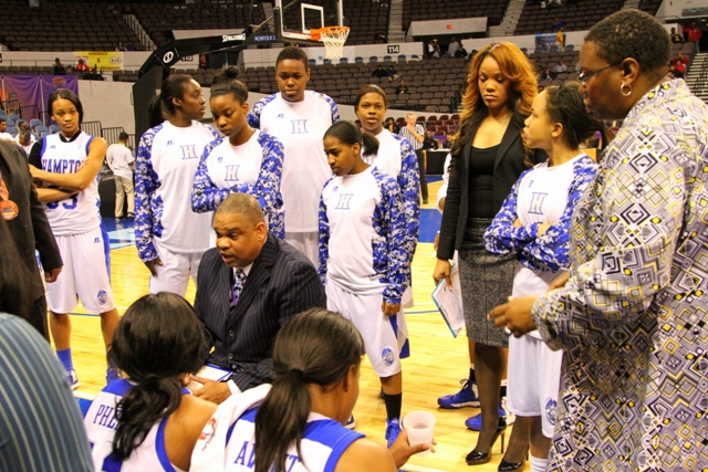 Hampton Lady Pirates head coach takes a time out