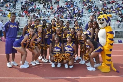 Benedict College cheerleaders