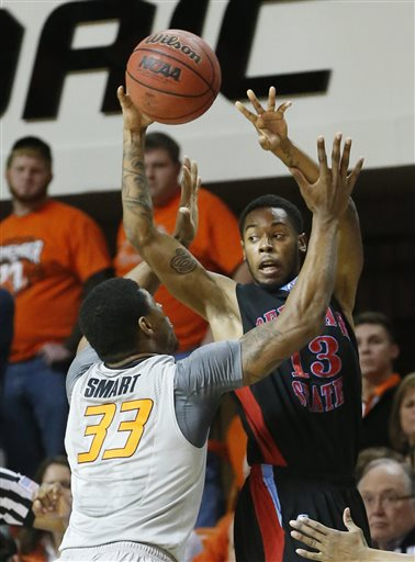 Delaware State is pressured by Oklahoma State