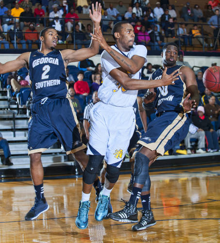 North Carolina A&T endures a tough loss against G...