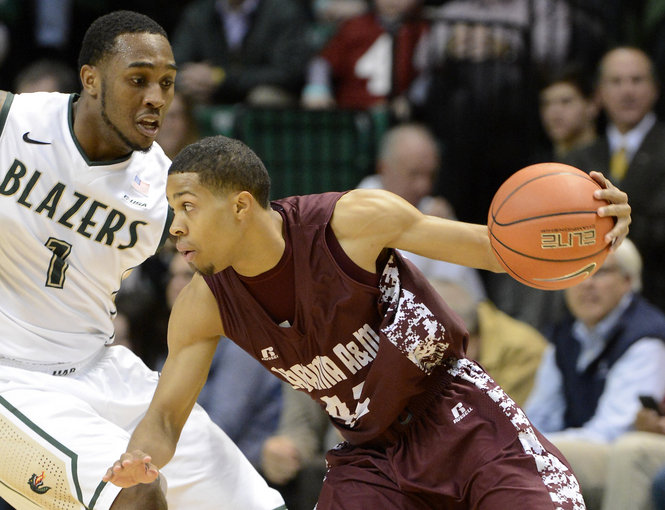 Alabama A&M works against the pressure of UAB
