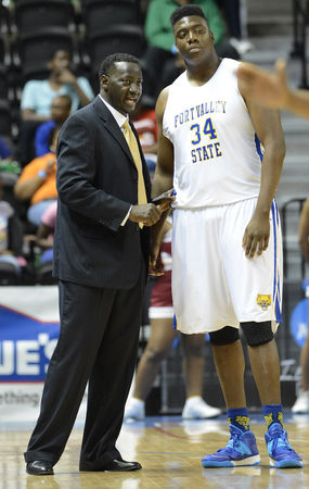 Fort Valley State Coach Sammy Jackson talks to Ra...