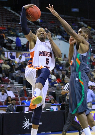 Morgan State Bears take it to the basket against ...