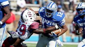 South Carolina State Bulldogs pull away from Hamp...