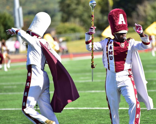 Alabama A&M drum majors perform with marching ban...