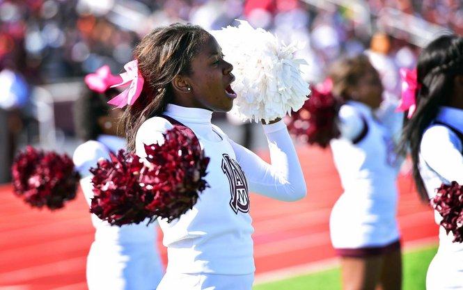 Alabama A&M cheerleaders at homecoming