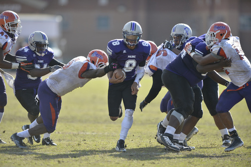 Paine pounds it away to homecoming victory over E...