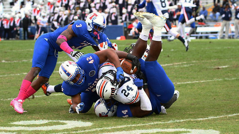 Tennessee State Tigers drop game against UT Marti...