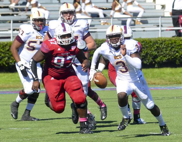 South Carolina State Bulldogs defeat the Wildcats...