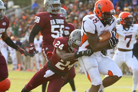 Virginia State Trojans pull away from Virginia Un...