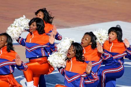 "Virginia State Woo Woo cheerleaders ""Let&#03..."