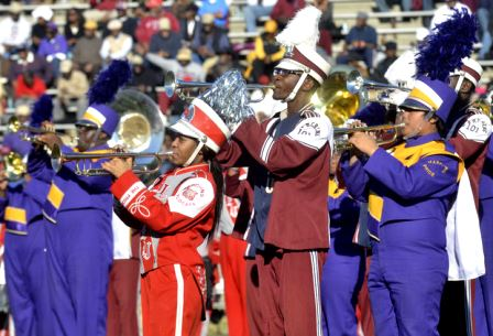 South Carolina State marching 101 performs with h...