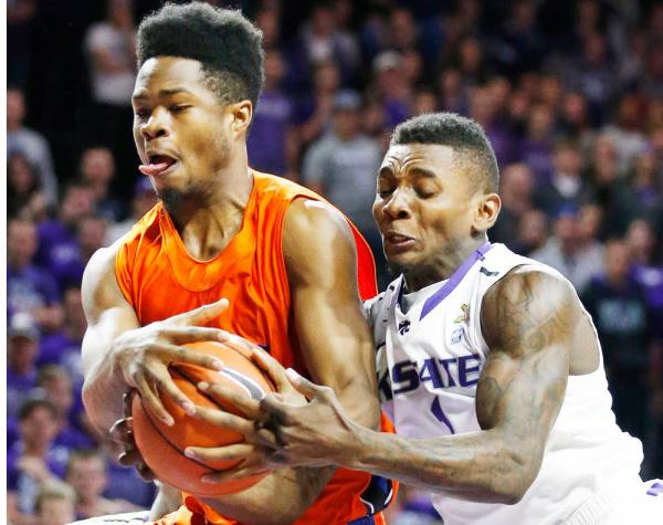 Savannah State and Kansas State battle for the ba...