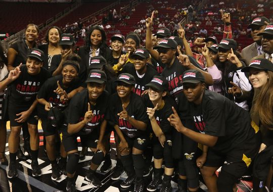 Alabama State capture the 2015 SWAC basketball cr...