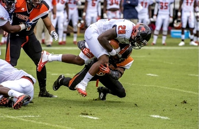 Virginia State Trojans defeat the Pioneers of Tus...