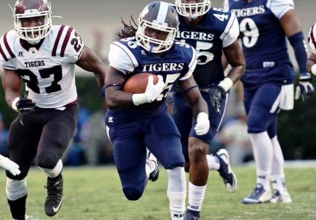 Jackson State holds off the Tigers of Texas South...