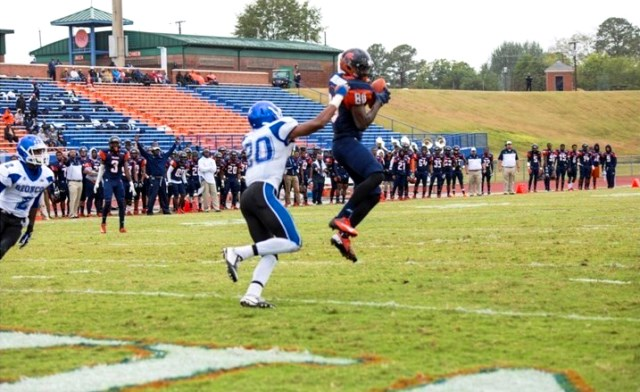 Fayetteville State Broncos football team beat def...