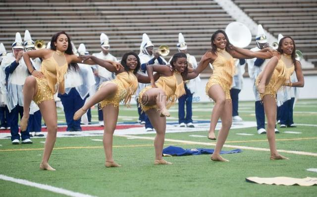 Texas College dancers perform at halftime