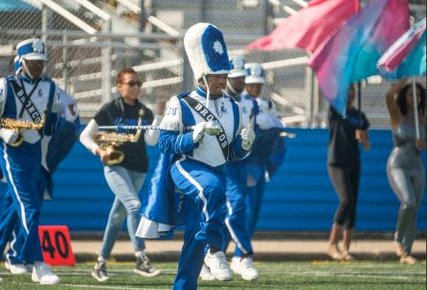 Fayetteville State marching Broncos take the fiel...