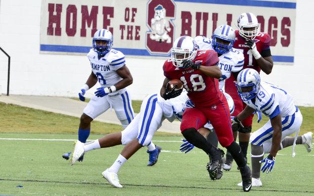 South Carolina State Bulldogs take bite out of Ha...