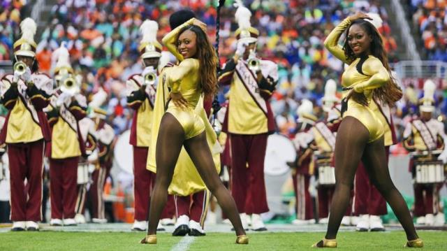 Bethune-Cookman 14kt Gold Dancers perform at half...