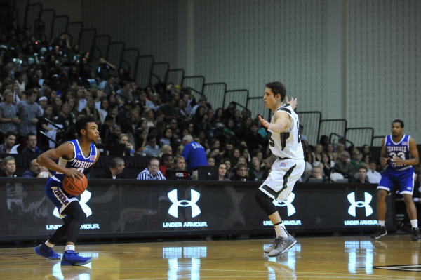 Tennessee State defeat Loyola in season opener