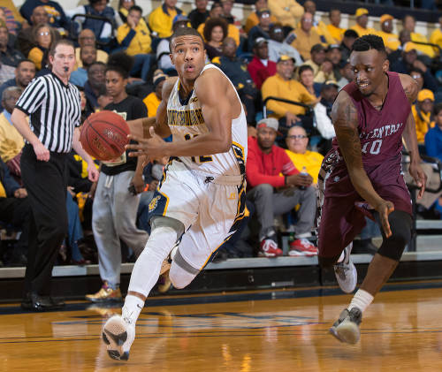 North Carolina A&T Aggies swweep the Eagles of No...
